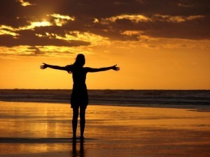beautiful-freedom-in-the-golden-sunset